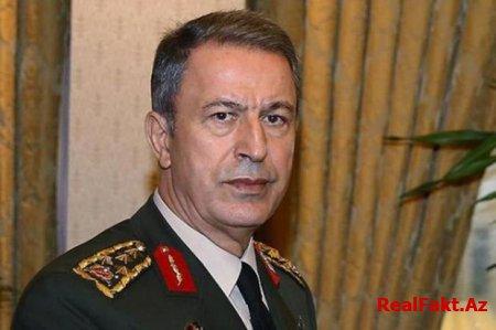 Hülusi Akar Hatayda yaralı əsgərləri ziyarət edib